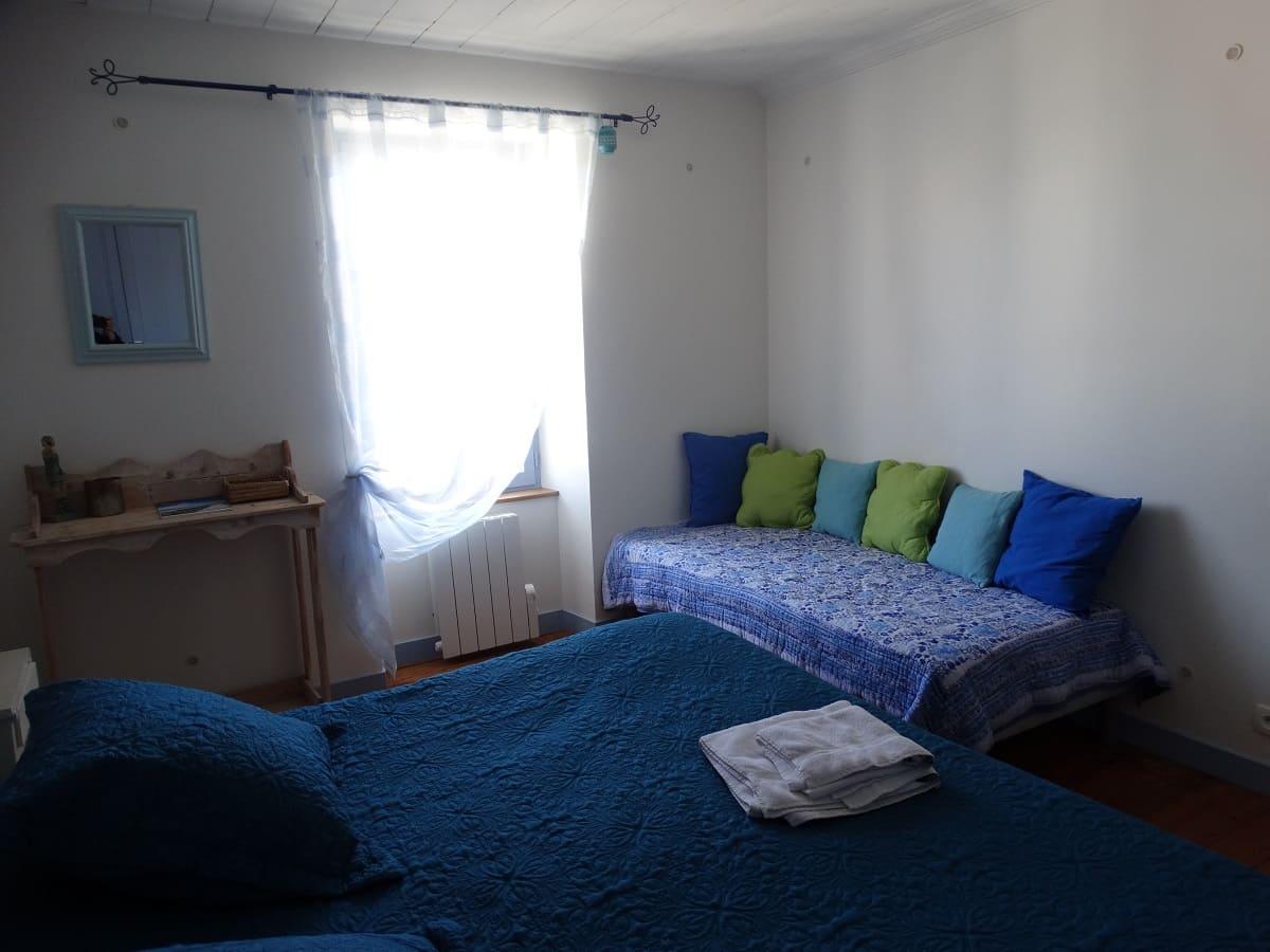 La chambre bleue les brulonnes du gite sur l'île de Ré pour un séjour en famille tout confort - Gite sur l'île de Ré -Les Fillattes