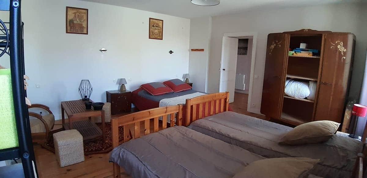 La grande chambre du gite sur l'île de Ré pour un séjour de détente et de découverte en famille - Gite Les Fillattes
