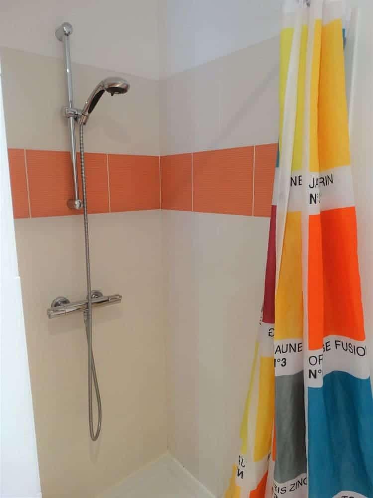 la douche de la chabossiere -chambre d'hôte de charme ile de ré-Les Fillattes maison d'hôtes