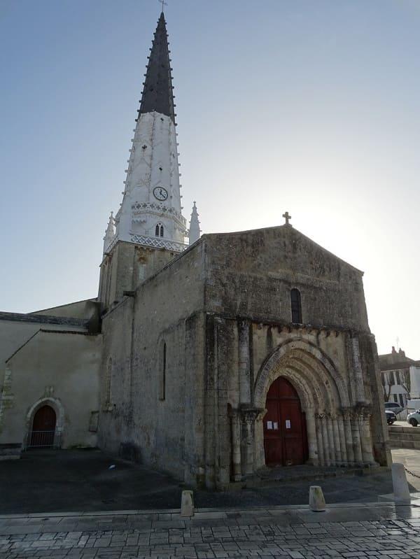 Eglise d'Ars-en-Ré à visiter lors de votre séjour à noel en famille dans le gite des Fillattes