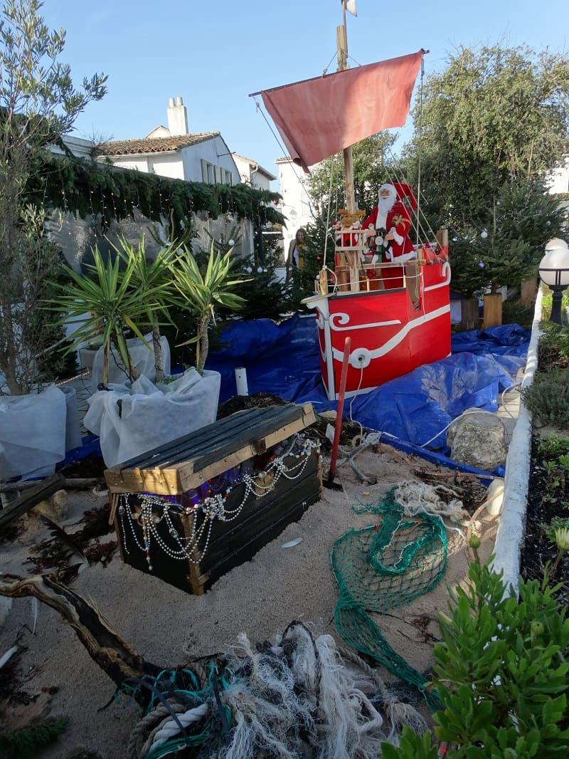 Noel en famille sur l'île de Ré dans le gîte les Fillattes- Les commerçants font des décorations exceptionnelles et participent à l'ambiance