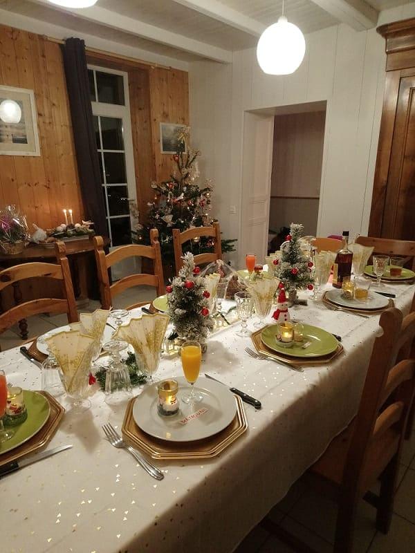 Notre table de Noël dans le gîte des Fillattes sur l'île de Ré