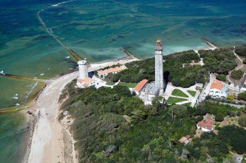 Decouvrez le phare des baleines situé à 5 mns de la maison d'hôtes Les Fillattes sur l'ile de Ré